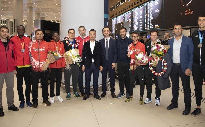 Turkcell'den şampiyonlara karşılama