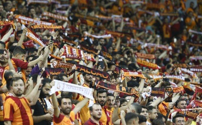 Galatasaraylı taraftarlardan 'sessiz' tepki