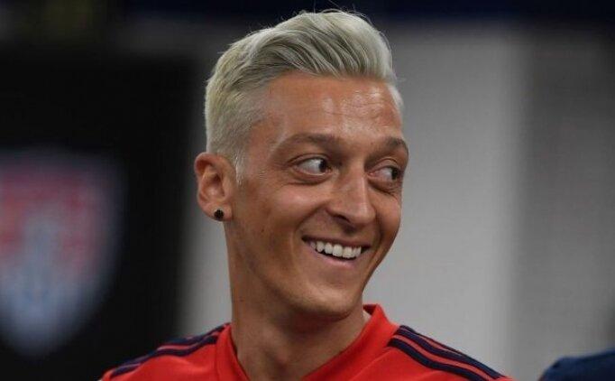 Mesut Özil neden saçlarını boyadı?