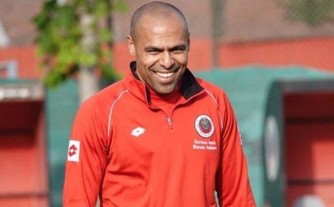 Nobre: 'Futbolu burada bıraktığım için mutluyum'
