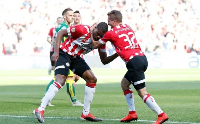 PSV, Ajax'ı takibi sürdürdü!