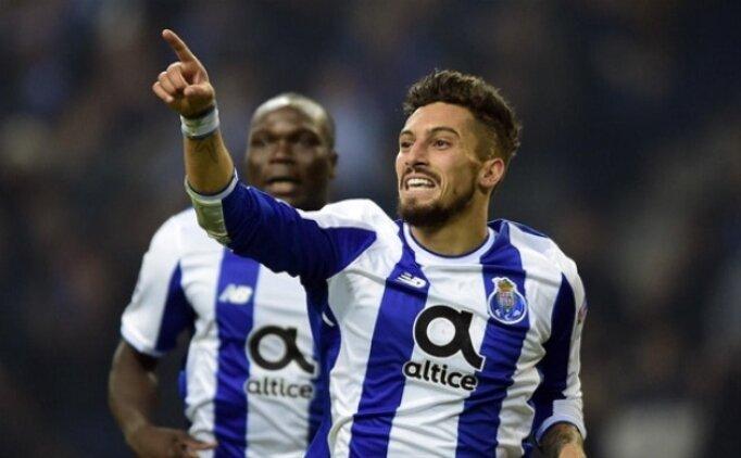 Alex Telles'ten transfer yanıtı! 'Porto'da mutluyum'