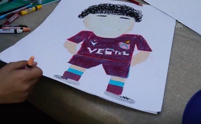 Engelli çocuklardan Trabzonsporlu futbolculara sürpriz