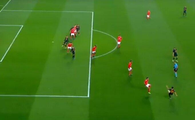 Galatasaray attı, ofsayt bayrağı kalktı!