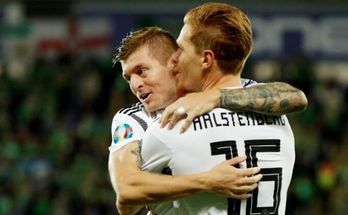 Almanya, Kuzey İrlanda virajını 2 golle geçti!
