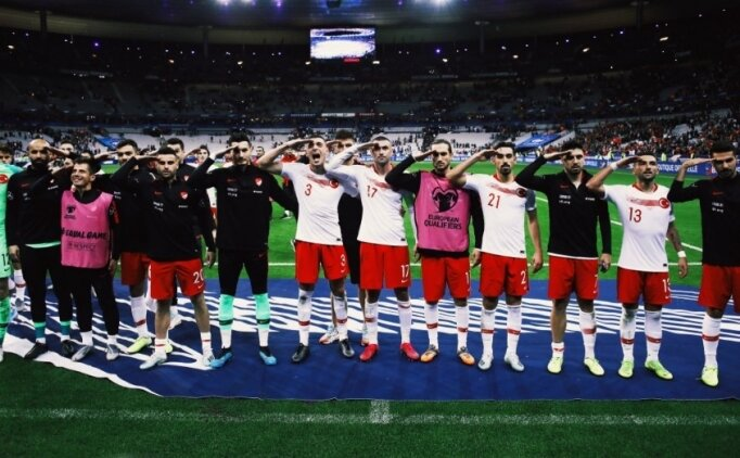 Schalke'den Ozan Kabak için 'ASKER SELAMI' açıklaması