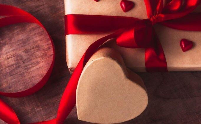 Sevgililer günü hediyesi erkek için ne alınabilir? Sevgiliye sürpriz hediye
