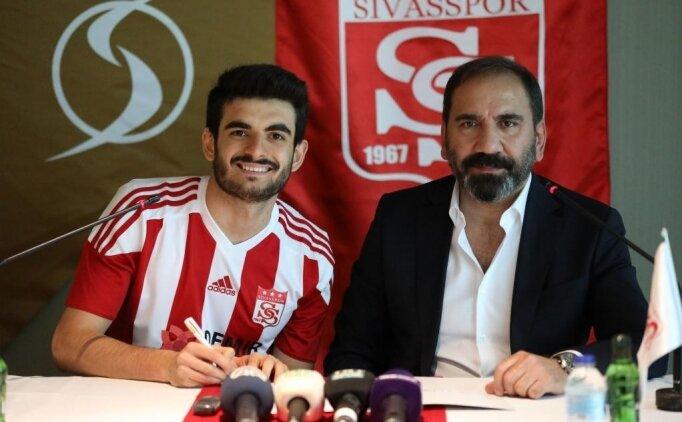 Fatih Aksoy Sivasspor'a imzayı attı