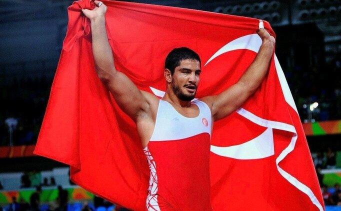 Milli güreşçilerimiz Romanya'da tarih yazdı!