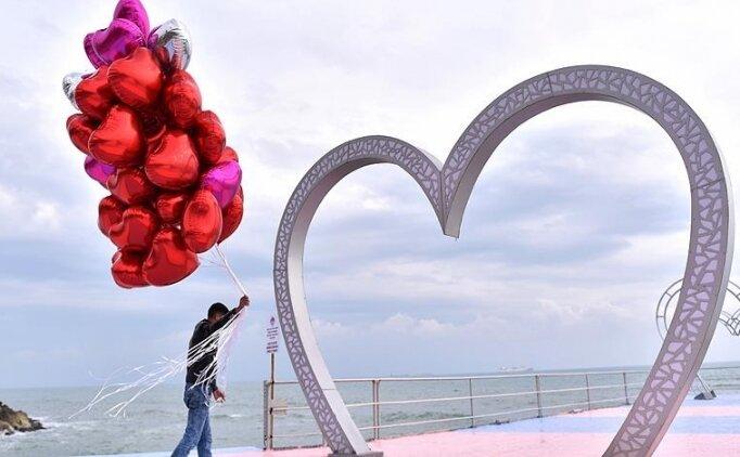Sevgililer Günü mesajlarında! 14 Şubat Sevgililer Günü mesajlarında en yeni sözler, Sevgililer Günü tarihçesi