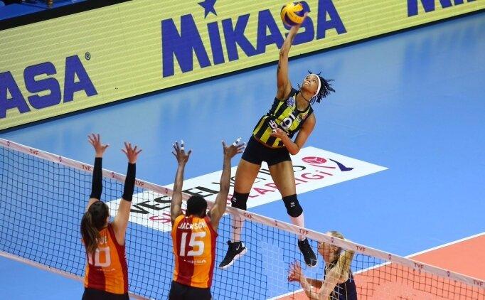 Fenerbahçe, Galatasaray karşısında 1-0 öne geçti!