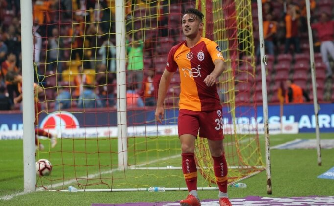 Galatasaray'da Yunus Akgün'e 4 yıllık imza