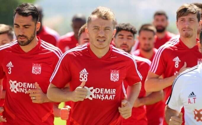 Sivasspor'da 2 eksik var, 2 isim de sınırda