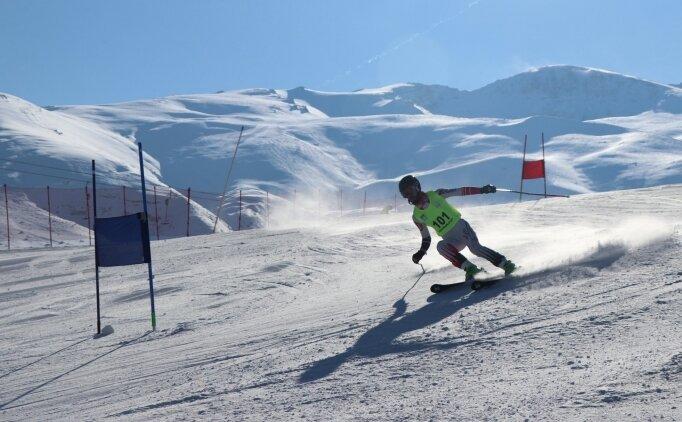 Erzincan'da Alp disiplini 18 yaş altı büyükler eleme yarışları başladı