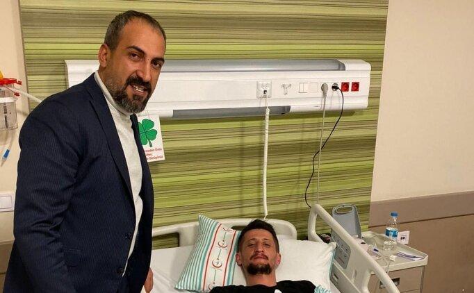 Kayserispor Asbaşkanı tribünde yaralanan taraftarı ziyaret etti