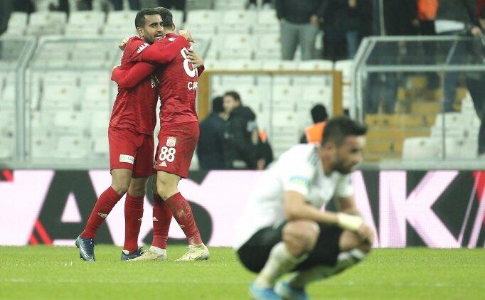 Beşiktaş, 10 kişi kalan Sivasspor'a kaybetti