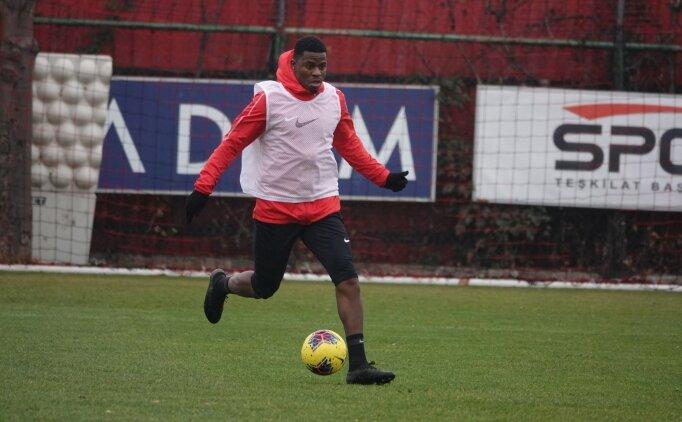 Gençlerbirliği'nin Togolu futbolcusu Ayite'den taraftara çağrı