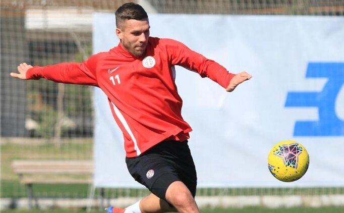 Podolski, izin gününde idman yaptı