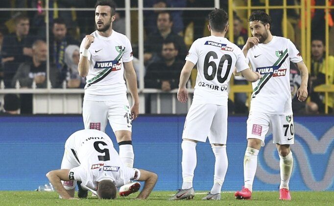 Denizlispor Fenerbahçe deplasmanında tarihi fırsatı kaçırdı