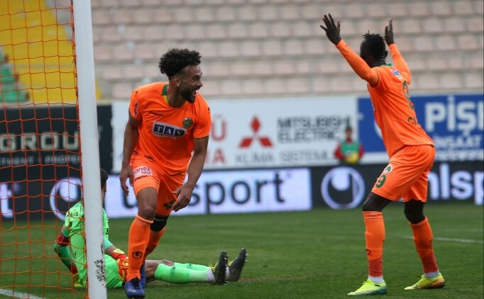 Alanyaspor'da futbolculara 4 gün izin verildi