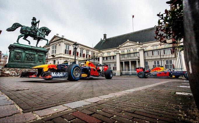 Verstappen ve Albon, F1 araçları ile Hollanda caddelerinde turladı