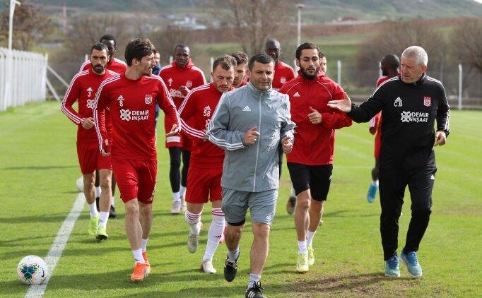 Sivasspor'da ikinci oyuncu grubu tesislerdeki ilk çalışmasını yaptı