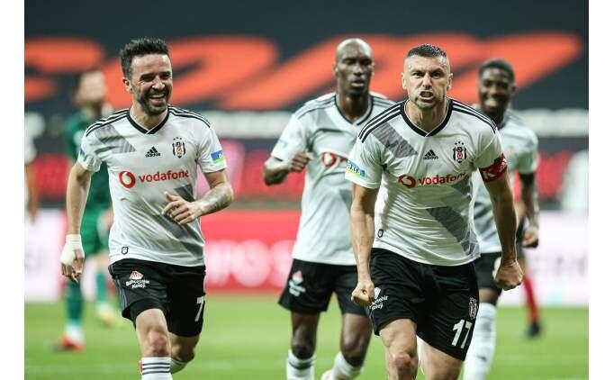 Beşiktaş'ta gözler kral Burak Yılmaz'da!