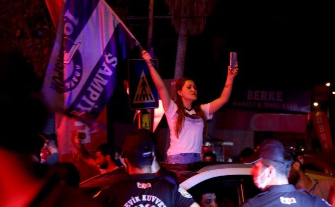 Adana Demirspor'a görkemli karşılama