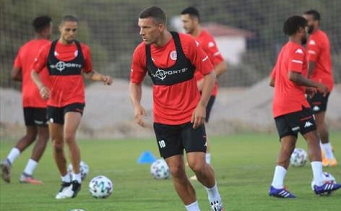 Lukas Podolski: 'Sokaktan geldiği belli'