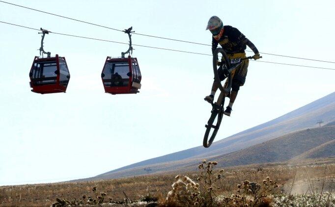 Erciyes Uluslararası Yol ve Dağ Bisikleti Yarışları tamamlandı