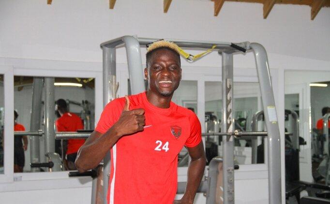 Hatayspor'da yeni transfer Akintola antrenmanlara başladı