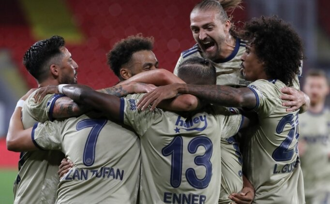 Fenerbahçe'de 3 artı, 2 eksi