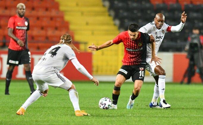 Rıdvan Dilmen: 'Beşiktaş 10 kişi kalmalıydı'