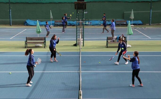 'Kömür kent'in köklü tenis kulübü, geleceğin başarılı sporcularını yetiştiriyor