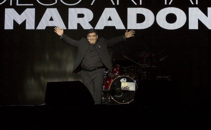 Napoli stadyumunun adını 'Maradona' yapacak