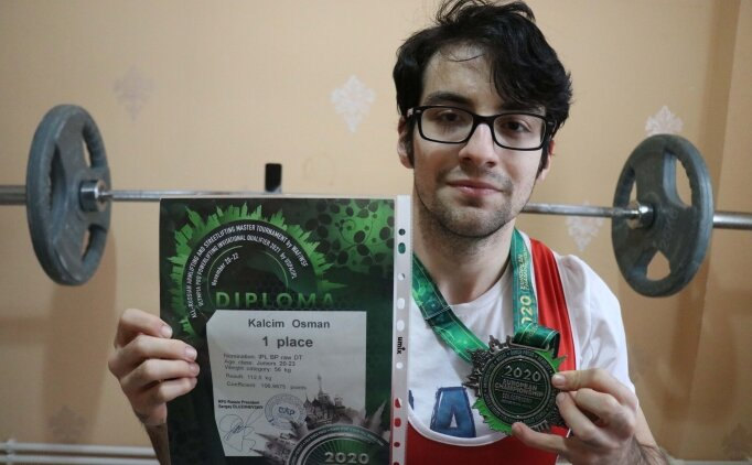 'Dünyayı kaldıran' genç sporcu yeni rekorlara ulaşma hedefinde