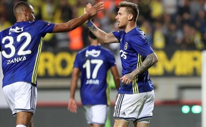 Fenerbahçe'de savunma transferleri tutmadı!