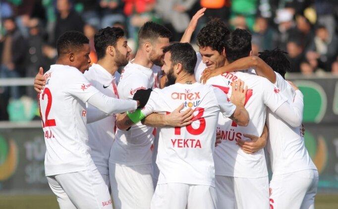 Antalyaspor, 11 hafta sonra Süper Lig'de kazandı