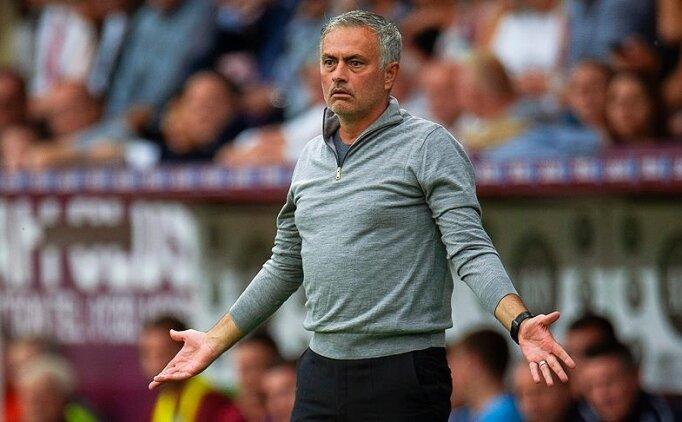 Oyuncularına parkta antrenman yaptıran Mourinho'dan açıklama