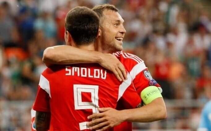 Fenerbahçe, Smolov'u kiralamak istiyor!