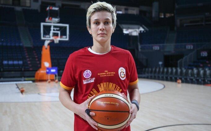 Işıl Alben'in ayrılığına Fatih Terimli eleştiri
