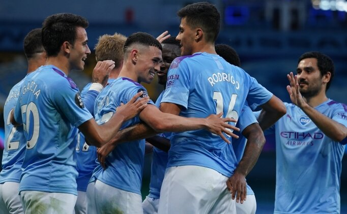 Manchester City, şampiyonu sahadan sildi