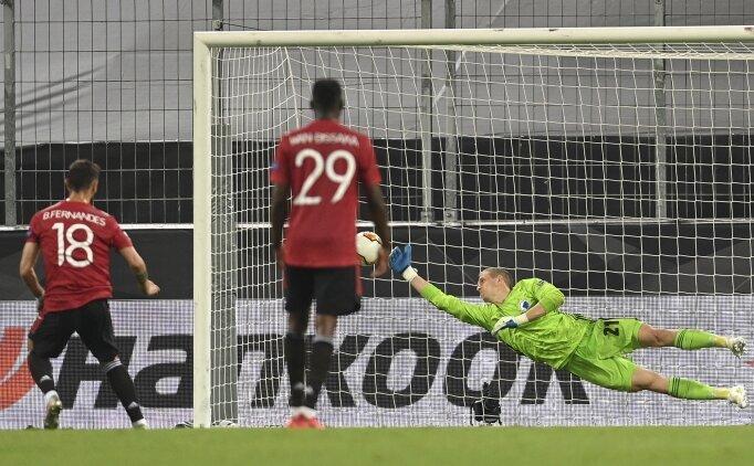 Manchester United, Kopenhag'ı zor geçti