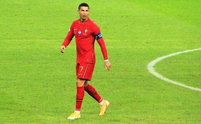 Cristiano Ronaldo ambulans uçakla Torino'ya gitti