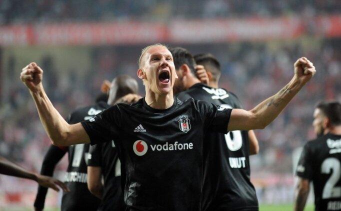 Beşiktaş'ta karar; '4 milyon Euro veren Vida'yı alır'