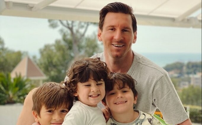 Lionel Messi, koronavirüs salgınına karşı sakallarını kesti!
