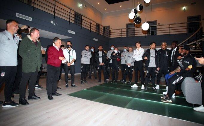 Ahmet Nur Çebi, tesislerde futbolcularıyla buluştu