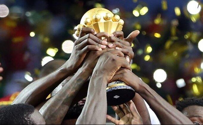 CAF Başkanı Ahmed'e 5 yıl men cezası