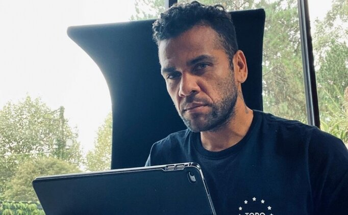 Dani Alves, Devlet Başkanı'nı ağır eleştirdi