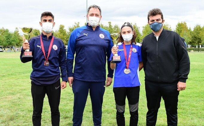 İstanbul Büyükşehir Belediyespor'dan 720 madalya ve 11 kupa